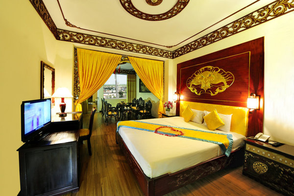 king suitet room thanh lịch 1 huế